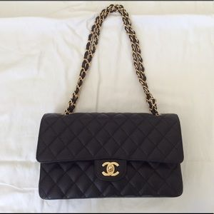 Chanel Classic Medium Black Caviar Flap
